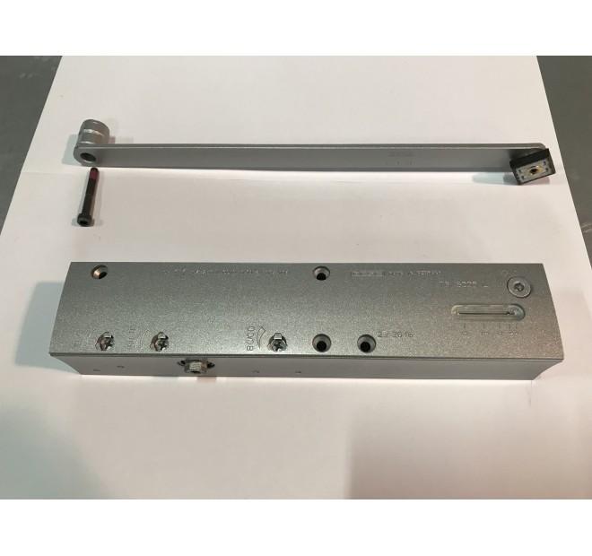 1 Ferme porte ouverture extérieure pour porte Titane PH Technal pièce détachée